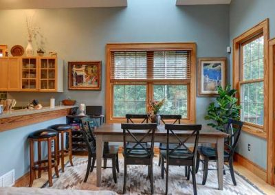 dining-table-Mountaintop-rentals