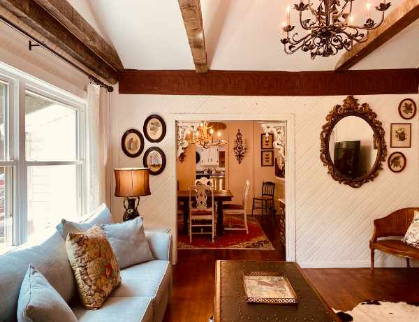 mirrors-on-the-wall-Mountaintop-rentals